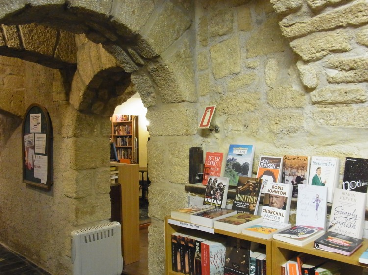 Another look at this bookshop's setting.