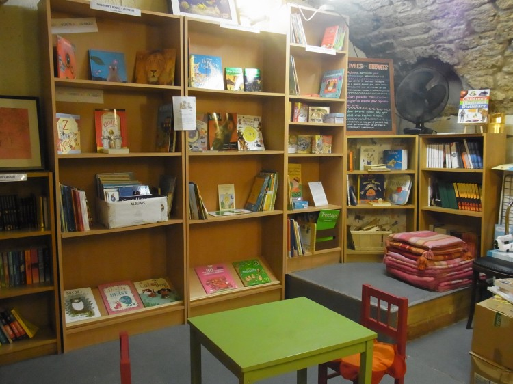 Peaceful place for children to start reading !