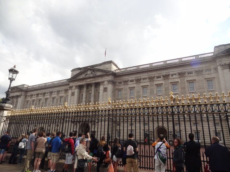 Buckingham Palace and its swarm of people, hoping to see the Queen (don't make that face, you know you are there for that, too. Well, just a little bit.)