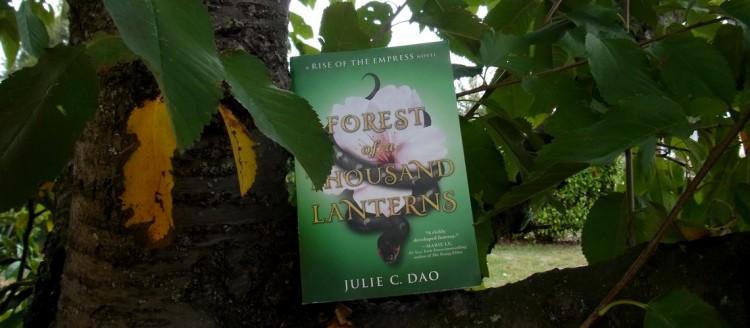 Review Forest Of A Thousand Lanterns Julie C Dao